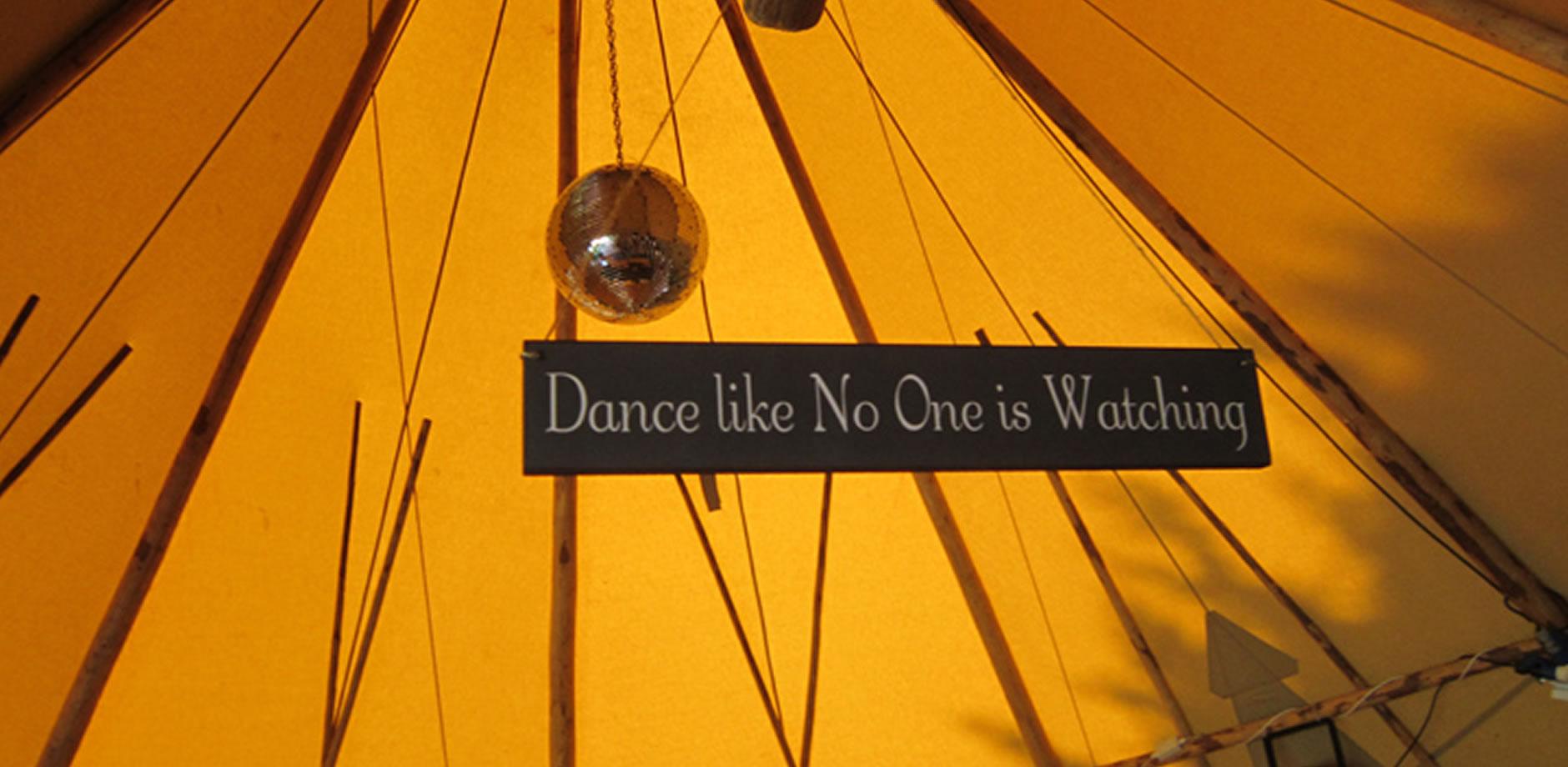 helen-robin-banner-dance