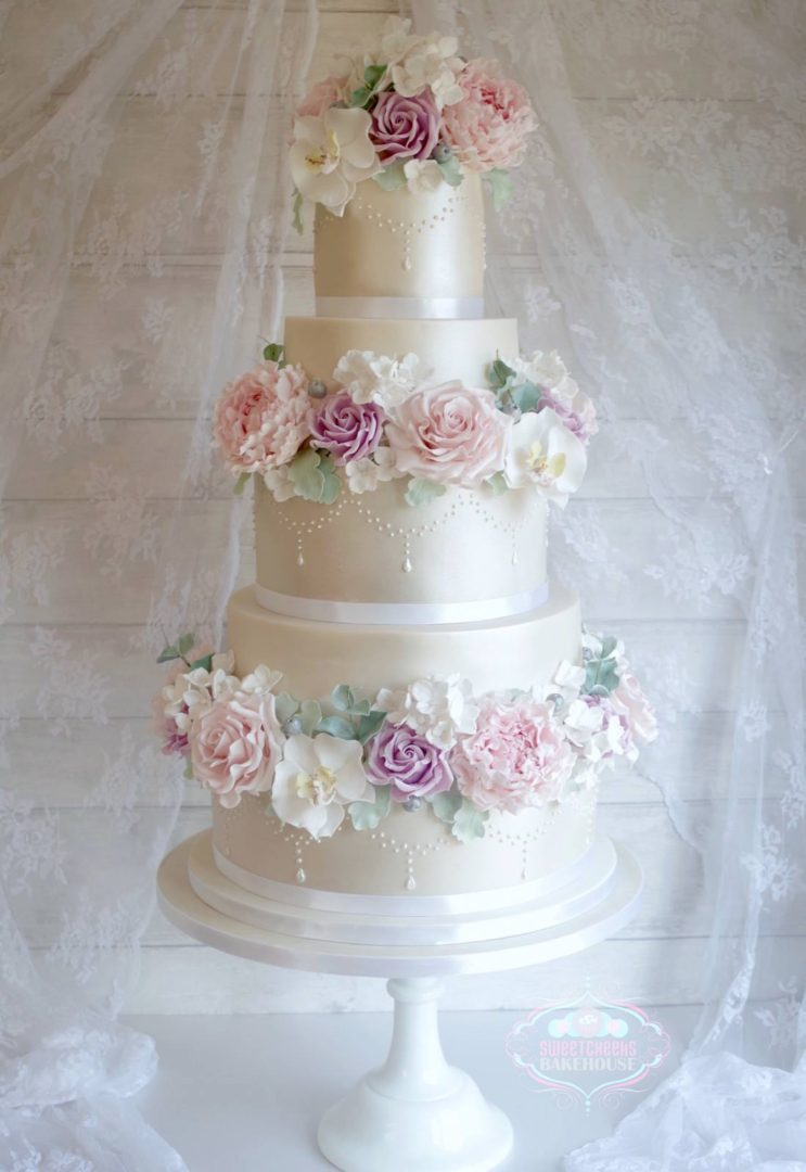 new forest wedding cake