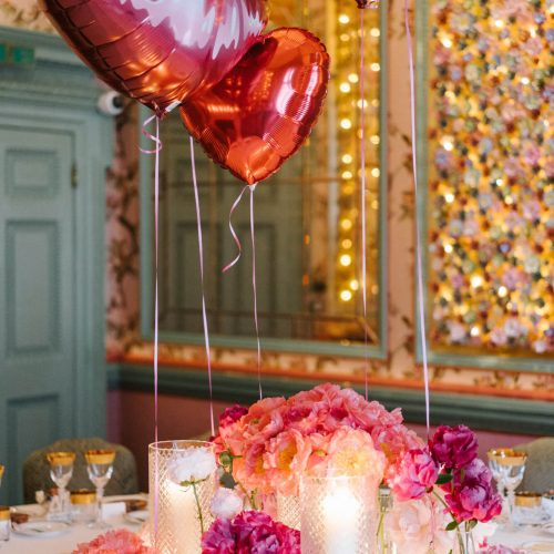Wedding red balloons candle